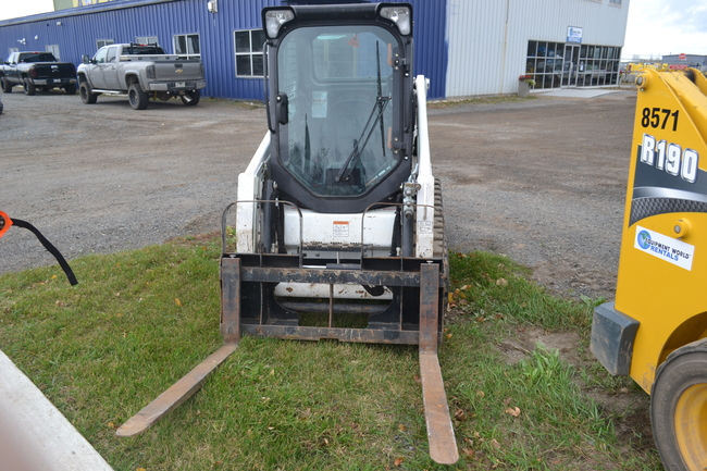 2016 Bobcat T450 | Equipment World